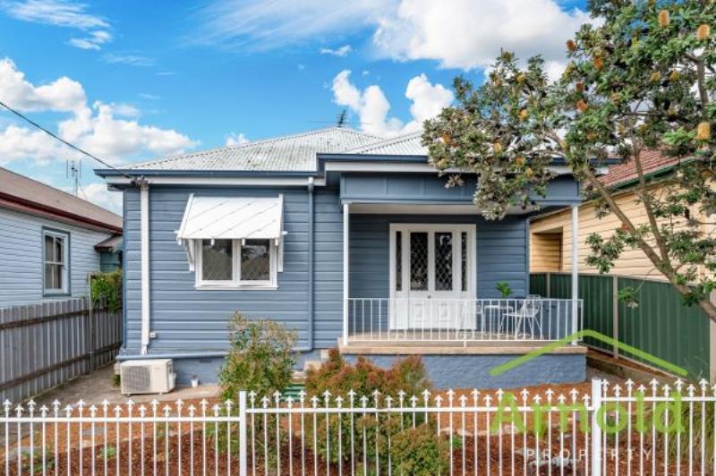 15 Tarin Street, Mayfield East  NSW  2304 -