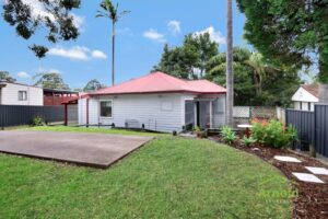 1 21a Dunkley Pde, Mount Hutton  NSW  2290 -